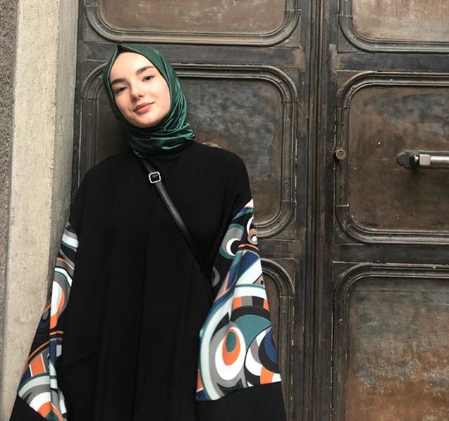 Feyza Abbasoğlu - Ofis Özel Öğretim Kurumu Geçmişte Katkıda Bulunanlar
