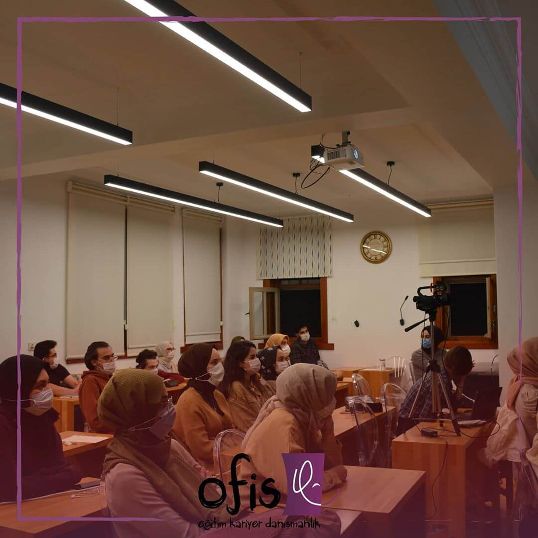 ofis-akademi-elestirel-dusunme-dersi-musab-ensar-erturk-2