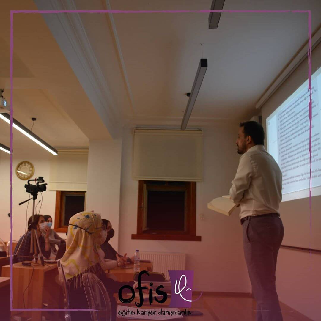 ofis-akademi-elestirel-dusunme-dersi-musab-ensar-erturk-3