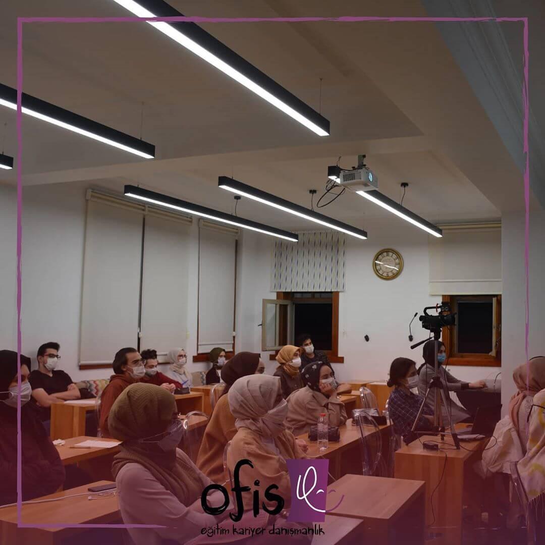 ofis-akademi-elestirel-dusunme-dersi-musab-ensar-erturk-4